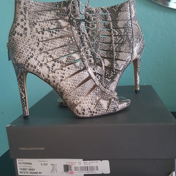 Vince Camuto shoes NWT